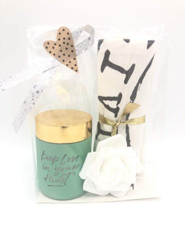 Presentpåse - Doftljus, handduk, ros