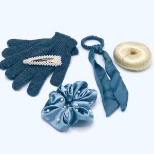 Presentpåse: Peelinghandskar, klämma, hårband, hairbun blond