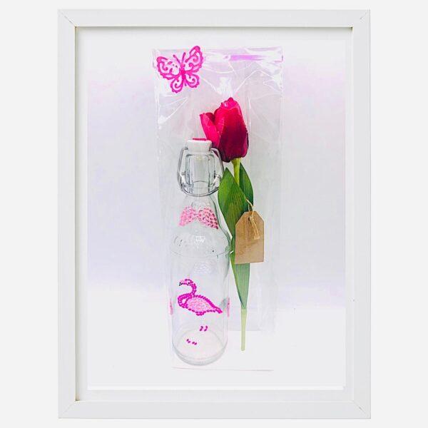 Presentpåse: Glasflaska med flamingo, tulpan