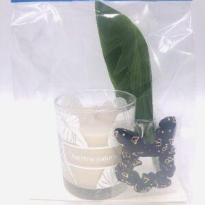 Presentpåse: Duni doftljus, gröna blad, hårsnodd
