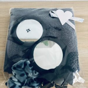 Presentpåse - Frottehandduk, makeup-spegel, 2 scrunchies