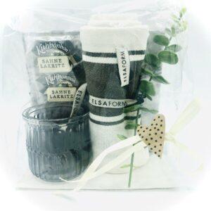 Presentpåse - Servetter, ljuslykta, handduk, kvist, gräddlakrits