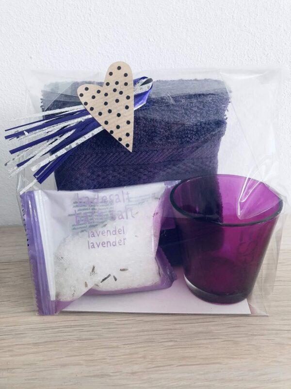 Presentpåse - Frottehandduk, badsalt lavendel, Esprit ljuslykta