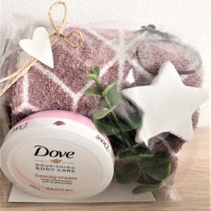 Presentpåse - Frottehandduk, Dove beautycreme, stjärna, eakalyptus