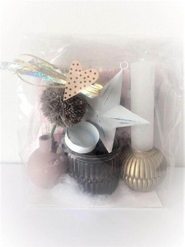 Syrenlila tema - paketet: ljus, ljuslykta, ljushållare, vas, blomma, servetter