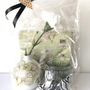 Limefärgade paketet - servetter, vas, nejlika, ljuslykta, lakrits