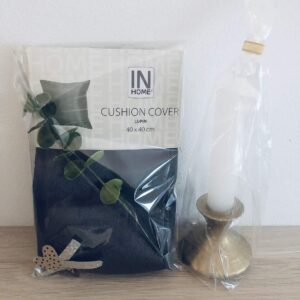 2 st presentpåsar: 2 pack kuddfodral, eakalyptuskvist / ljus