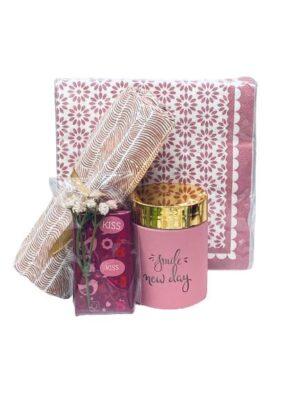 Presentpåse i romantiskt rosa tema
